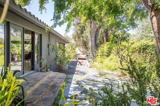 2261 Carriage Drive, Rolling Hills Estates, CA 90274 (#19486406) :: Naylor Properties
