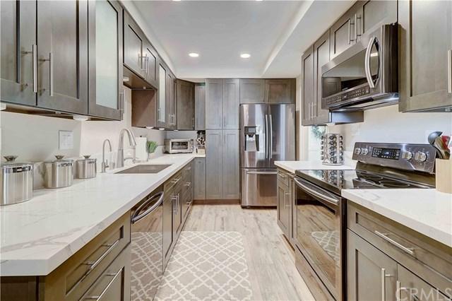 14802 Newport Avenue 22A, Tustin, CA 92780 (#NP19162496) :: RE/MAX Masters