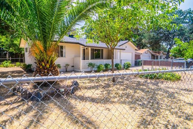 15075 Pineview Drive, Clearlake, CA 95422 (#LC19166138) :: Abola Real Estate Group