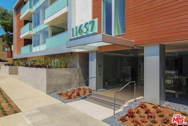 11657 Chenault Street #207, Los Angeles (City), CA 90049 (#19479558) :: Go Gabby