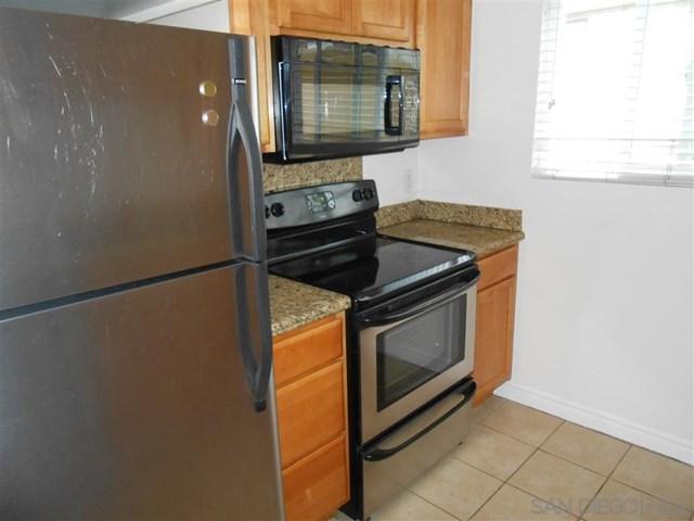 1340 Holly Ave. #14, Imperial Beach, CA 91932 (#190038776) :: Bob Kelly Team
