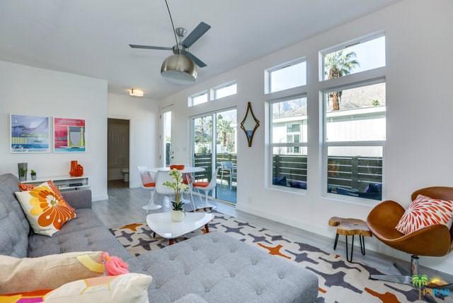 906 Oahu Lane, Palm Springs, CA 92264 (#19488396PS) :: Go Gabby