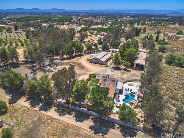 40055 Calle Bellagio, Temecula, CA 92592 (#SW19166204) :: Allison James Estates and Homes
