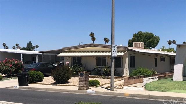 1306 W Johnston Avenue, Hemet, CA 92543 (#SW19166570) :: Vogler Feigen Realty