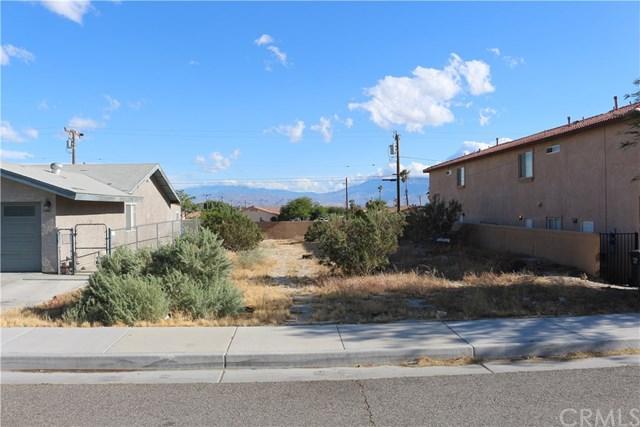 0 Granada, Desert Hot Springs, CA  (#CV19163641) :: Fred Sed Group