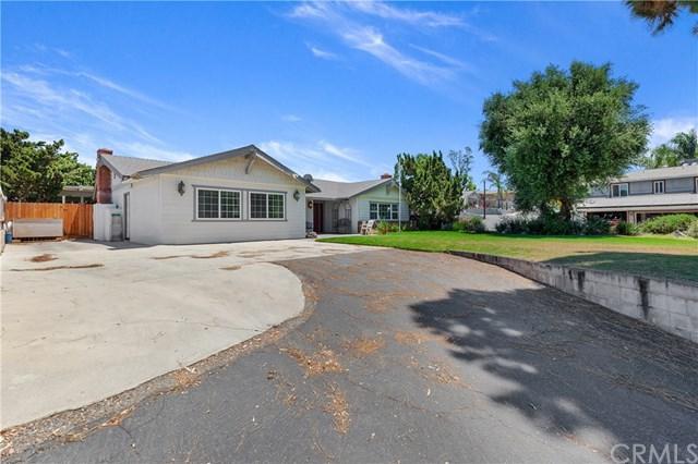2353 Corona Avenue, Norco, CA 92860 (#IG19167053) :: Fred Sed Group
