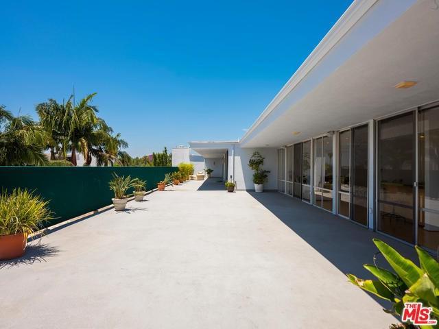 850 N Kings Road Ph, West Hollywood, CA 90069 (#19484280) :: Powerhouse Real Estate
