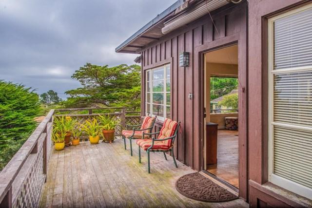 823 Lyndon Street, Monterey, CA 93940 (#ML81760586) :: Abola Real Estate Group