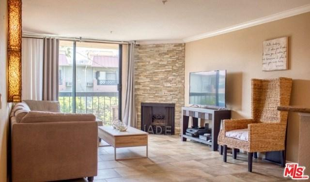 7320 Hawthorn Avenue #103, Los Angeles (City), CA 90046 (#19489130) :: Fred Sed Group