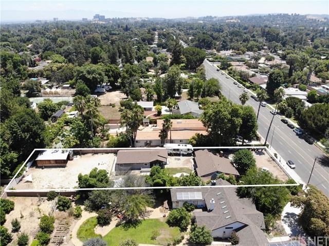 23501 Burbank Boulevard, Woodland Hills, CA 91367 (#SR19166534) :: RE/MAX Masters