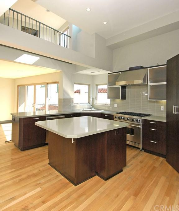 447 Manhattan Avenue, Hermosa Beach, CA 90254 (#SB19150382) :: Blake Cory Home Selling Team