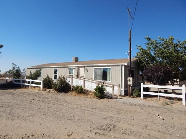 10636 Valencia Street, Oak Hills, CA 92344 (#515434) :: Heller The Home Seller