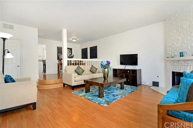 22865 Del Valle Street #20, Woodland Hills, CA 91364 (#SR19168786) :: Go Gabby