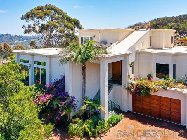 142 Hummingbird Hl, Encinitas, CA 92024 (#190039273) :: Abola Real Estate Group