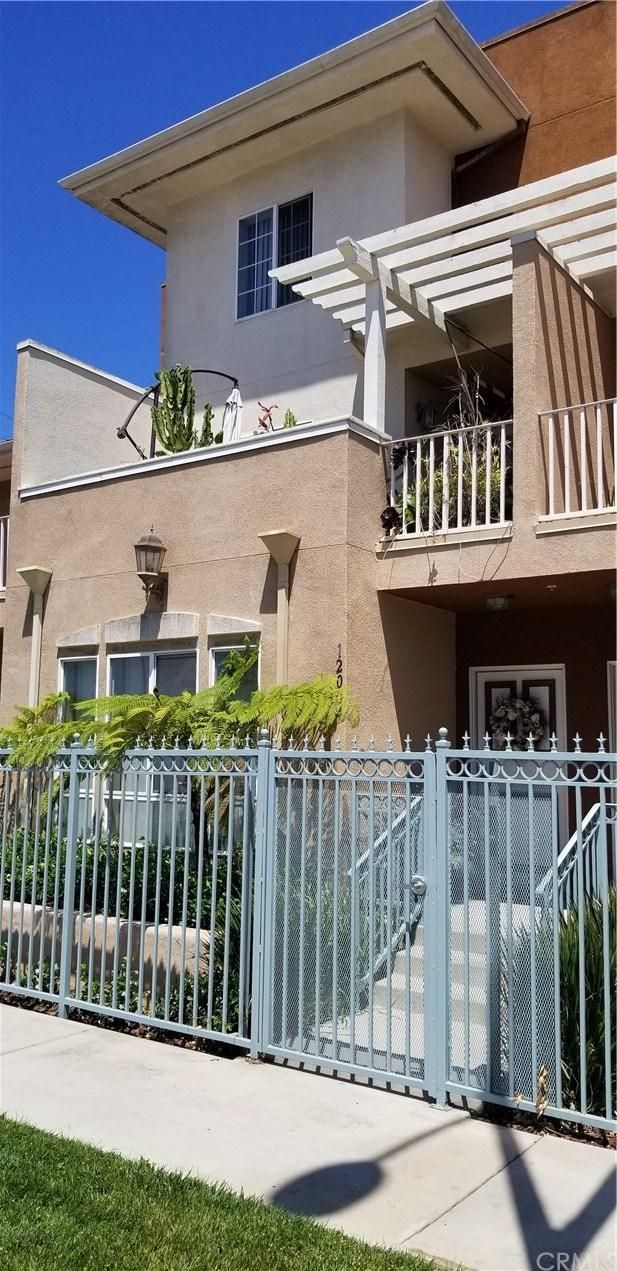 12004 S Broadway, Los Angeles (City), CA 90061 (#SB19169280) :: Z Team OC Real Estate