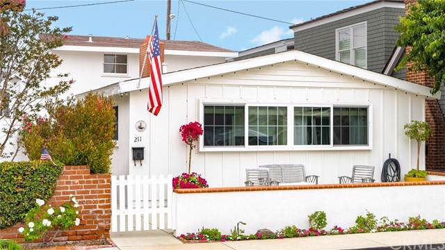 211 Ruby Avenue, Newport Beach, CA 92662 (#NP19165843) :: Doherty Real Estate Group
