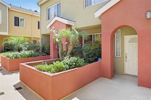 1500 Pine Avenue #20, Long Beach, CA 90813 (#PV19169565) :: California Realty Experts