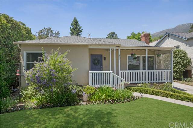 953 Alta Vista Drive, Altadena, CA 91001 (#OC19170206) :: Fred Sed Group