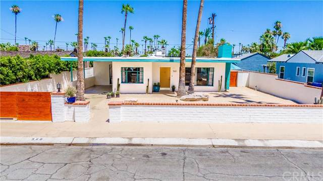 560 S Vista Oro, Palm Springs, CA 92264 (#PW19170295) :: Team Tami