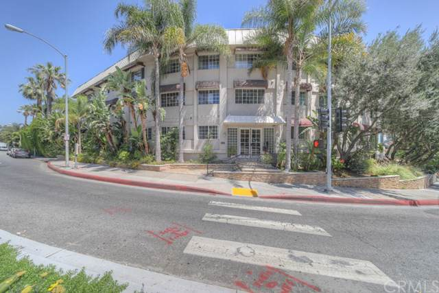 8490 Fountain Avenue #101, West Hollywood, CA 90069 (#SW19169587) :: RE/MAX Empire Properties