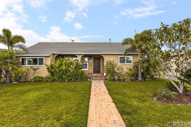 2147 N Greenbrier Road, Long Beach, CA 90815 (#RS19161677) :: Allison James Estates and Homes