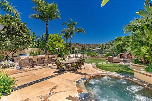 26 Foxtail Lane, Rancho Santa Margarita, CA 92679 (#OC19170028) :: Blake Cory Home Selling Team