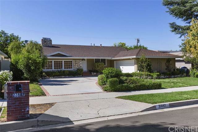 23847 Oxnard Street, Woodland Hills, CA 91367 (#SR19170798) :: The Marelly Group   Compass