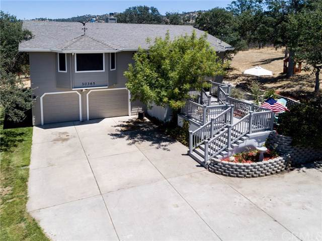 30365 Titan Drive, Coarsegold, CA 93614 (#FR19171077) :: Fred Sed Group