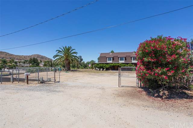 40350 Indian Tree Drive, Hemet, CA 92544 (#SW19170974) :: The Costantino Group | Cal American Homes and Realty