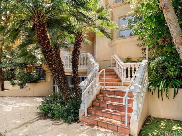 11112 La Maida Street #19, North Hollywood, CA 91601 (#BB19171201) :: Bob Kelly Team