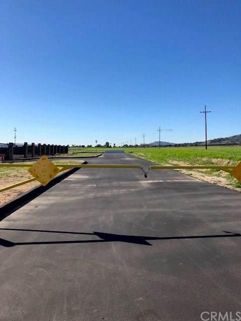 0 Hemlock, Moreno Valley, CA  (#SW19171324) :: Allison James Estates and Homes