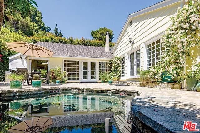1369 Bobolink Place, Los Angeles (City), CA 90069 (#19490072) :: Mainstreet Realtors®