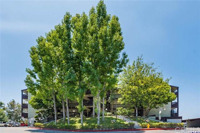 5850 Benner Street #204, Los Angeles (City), CA 90042 (#319002820) :: Rogers Realty Group/Berkshire Hathaway HomeServices California Properties