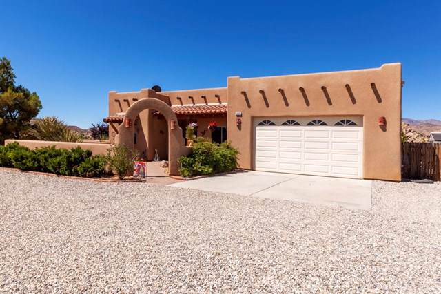 52625 Contour Terrace, Pioneertown, CA 92268 (#JT19169681) :: Allison James Estates and Homes