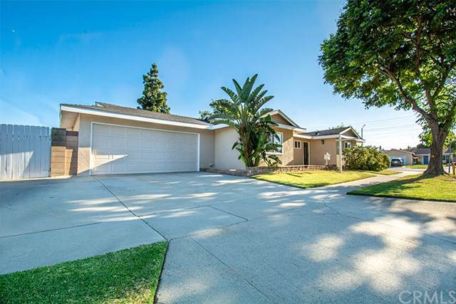 11310 Chadwell Street, Lakewood, CA 90715 (#CV19170532) :: Allison James Estates and Homes