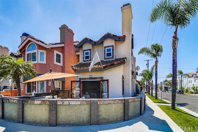 502 10th Street, Huntington Beach, CA 92648 (#OC19168375) :: Fred Sed Group