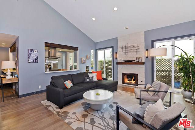 723 Westmount Drive #305, West Hollywood, CA 90069 (#19490234) :: The Najar Group