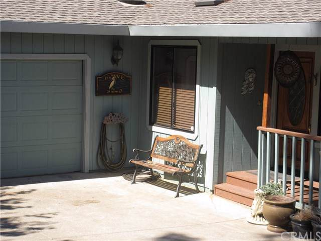 8440 Harbor View Drive, Kelseyville, CA 95451 (#LC19164682) :: Fred Sed Group