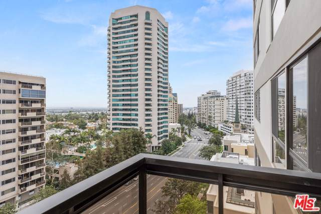 10445 Wilshire #906, Los Angeles (City), CA 90024 (#19490914) :: Rogers Realty Group/Berkshire Hathaway HomeServices California Properties