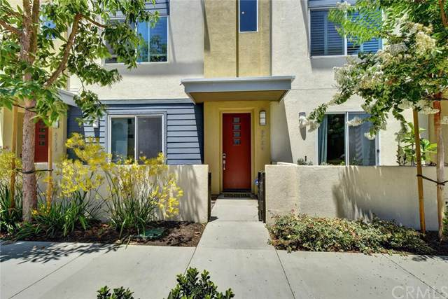 5724 Acacia Lane, Lakewood, CA 90712 (#PW19165001) :: California Realty Experts