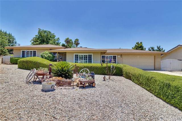 35209 Forest Lane, Yucaipa, CA 92399 (#EV19171327) :: Fred Sed Group