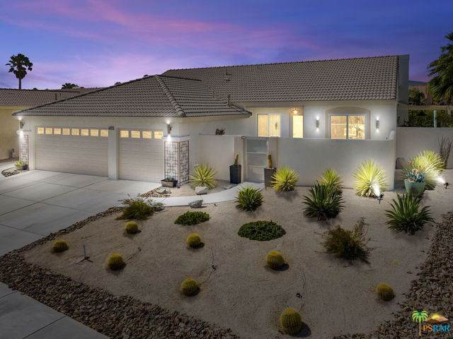 68323 Riviera Road, Cathedral City, CA 92234 (#19489524PS) :: Fred Sed Group