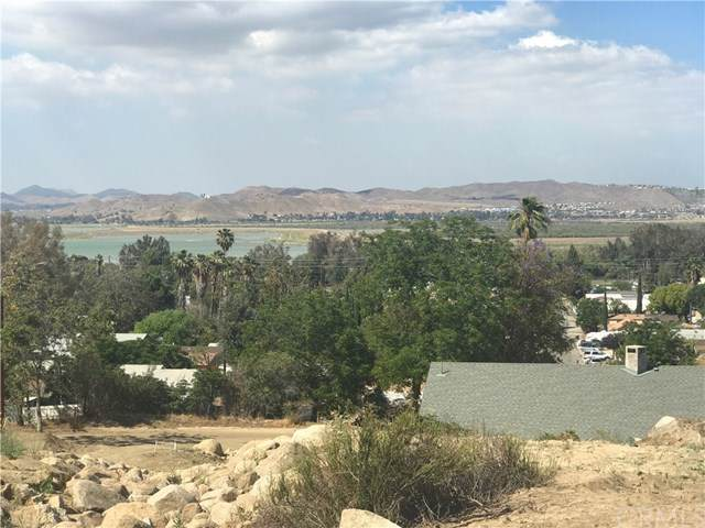 18175 Sanders Drive, Lake Elsinore, CA 92530 (#TR19172178) :: Realty ONE Group Empire
