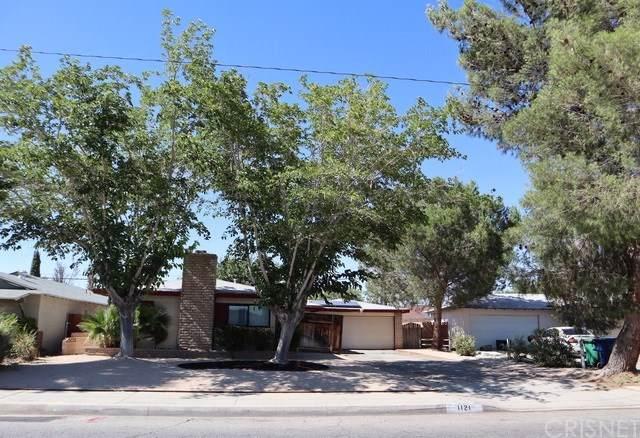 1121 W Avenue J8, Lancaster, CA 93534 (#SR19172476) :: DSCVR Properties - Keller Williams
