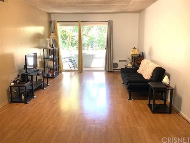 18620 Hatteras Street #277, Tarzana, CA 91356 (#SR19172566) :: Fred Sed Group
