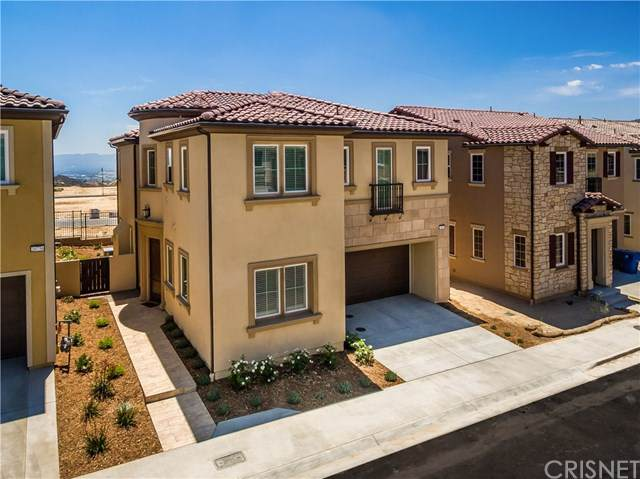 20800 Spruce Circle, Porter Ranch, CA 91326 (#SR19172457) :: The Parsons Team