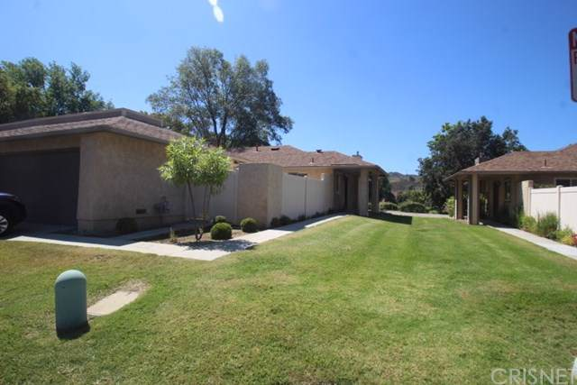 20020 Avenue Of The Oaks, Newhall, CA 91321 (#SR19172980) :: Naylor Properties