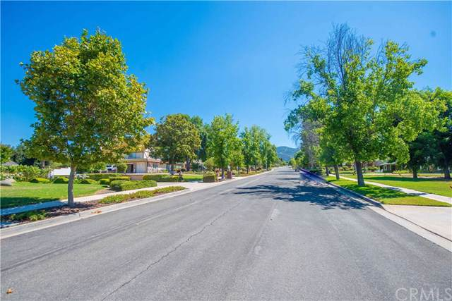 3023 Sonrisa Drive, Corona, CA 92881 (#IG19156573) :: Mainstreet Realtors®