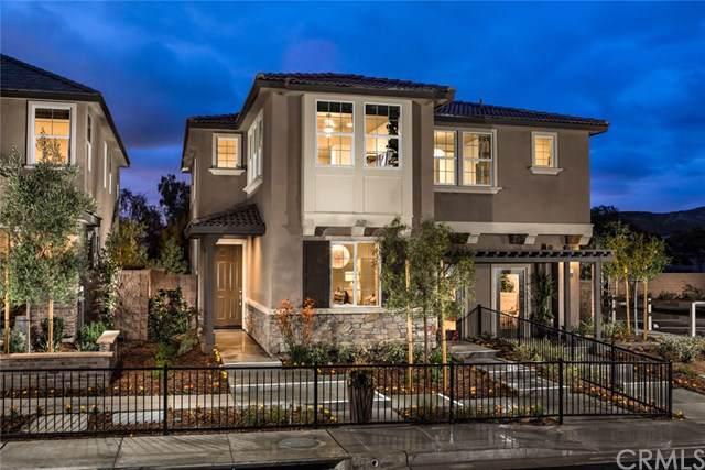 8943 Sunshine Valley Way, Corona, CA 92883 (#IG19173024) :: Mainstreet Realtors®