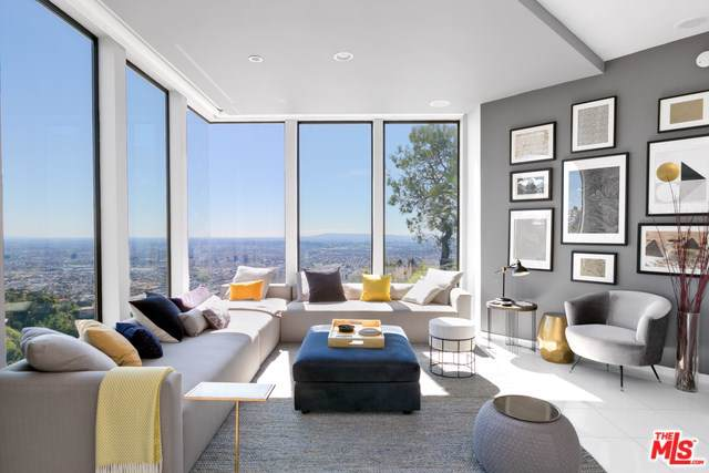 2231 Sunset Plaza Drive, Los Angeles (City), CA 90069 (#19491258) :: Mainstreet Realtors®